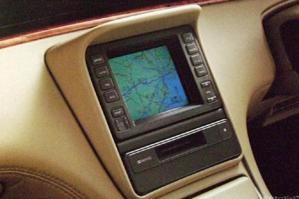 Hệ thống GPS trên xe Mazda